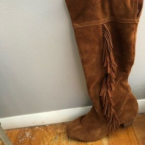 Size 10, knee high suede boots with fringe